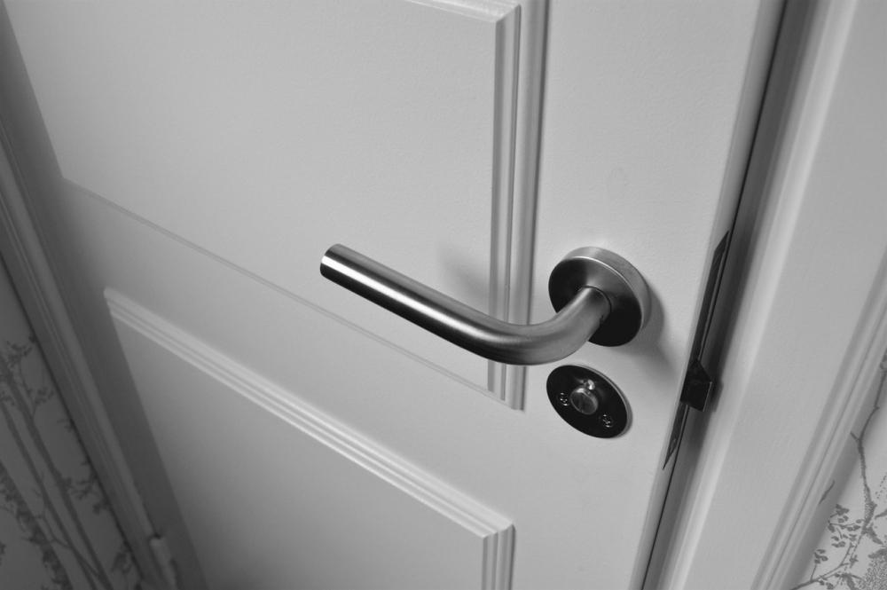 Czym kierować się przy wyborze drzwi wewnętrznych?